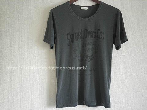 VIBGYOR(ヴィブジョー)ユーズド風味のプリントTシャツ